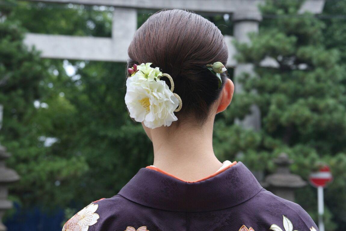 写真:千葉県M様 (メインで使用している椿は廃番商品です)