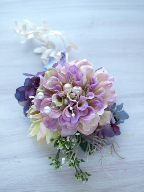 102 ボンボンダリア、紫陽花、セルリア、リーフリボン、シャワーパール、セルリアリーフのコサージュ