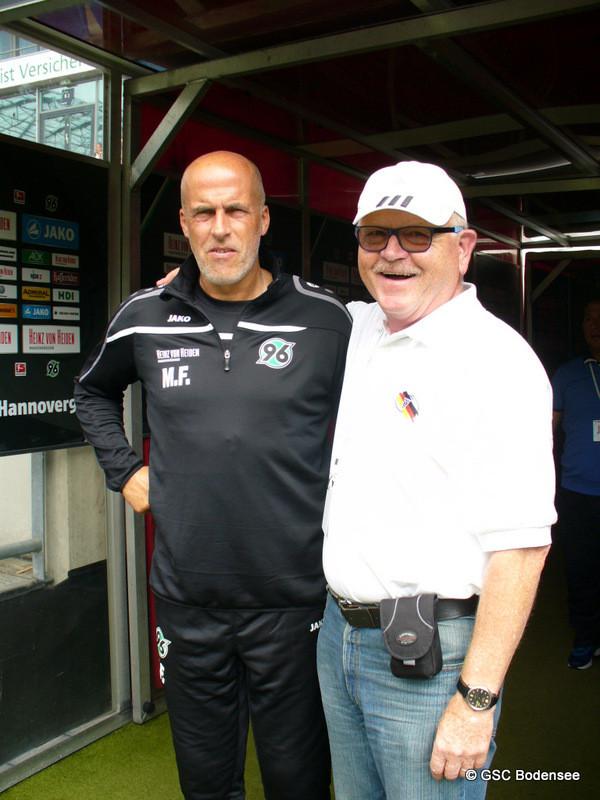 mit aktueller Trainer von Hannover 96 Michael Frontzeck