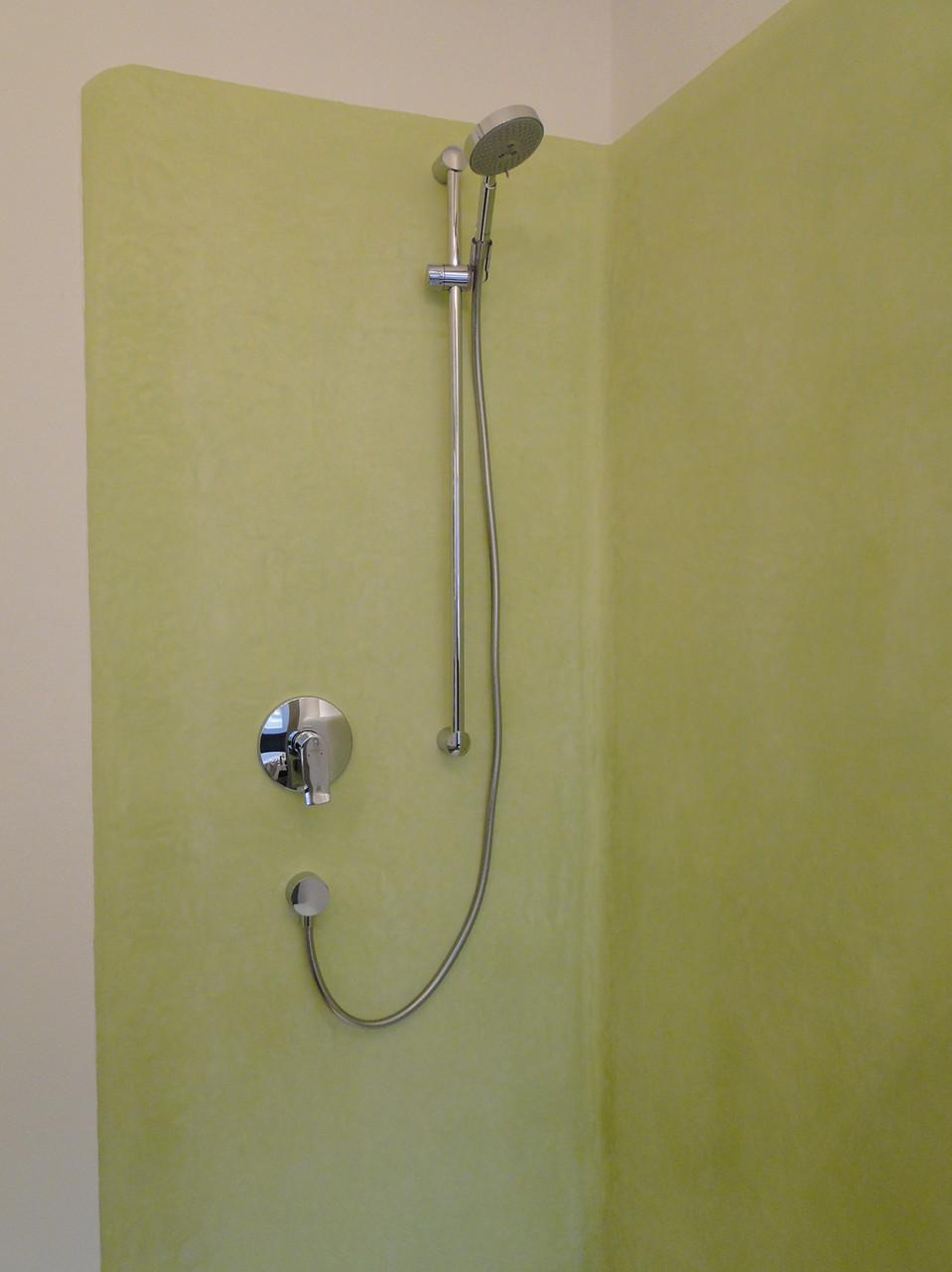 erfrischende grüne Dusche