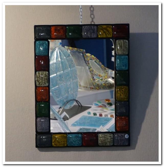 Miroir décoré avec des carreaux en verre