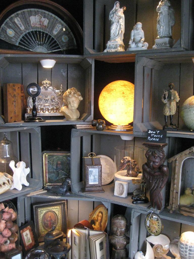 des centaines d'objets anciens pour toutes les sensibilités