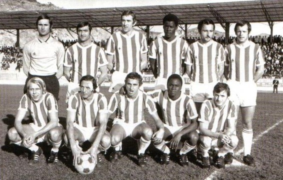 Derby face au S E C BASTIA .  Debout: Baratelli-Vanucci-Richard-Trésor-Georgin-Le Lamer  Accroupis: Leroy-Sansonetti-Dortomb-M'Pelé-Rigaud