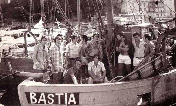 Début de saison où Jean Vincent au 1er plan était encore à la tête du navire bastiais avant l'arrivée d'un certain Pierre CAHUZAC.