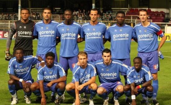 Match de préparation/Debout : Ejide-Meniri-H.Camara-Cherrad-Dao-Jau  Accroupis : Kambou-Mustivar-Genest-Martinetti-Mendy