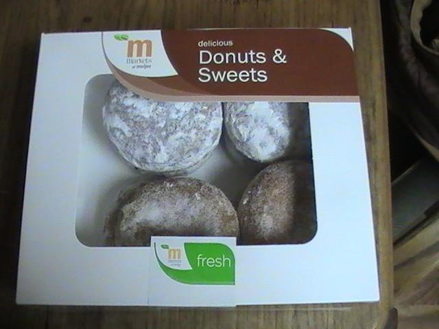 Et bien sur des donuts....hummm!
