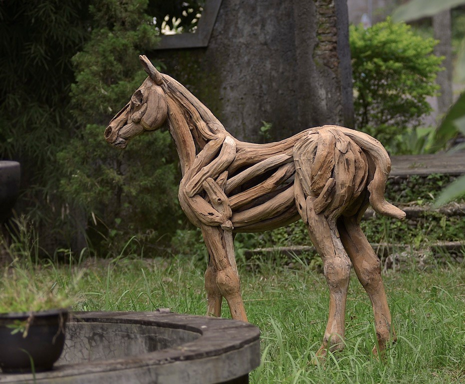 Abdul Ghofur für Driftwood-Art Lieferung April 2013