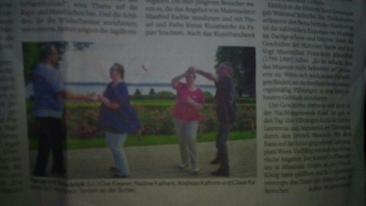 Der Vorstand des TadS e.V. tanzt jetzt auch in der Zeitung