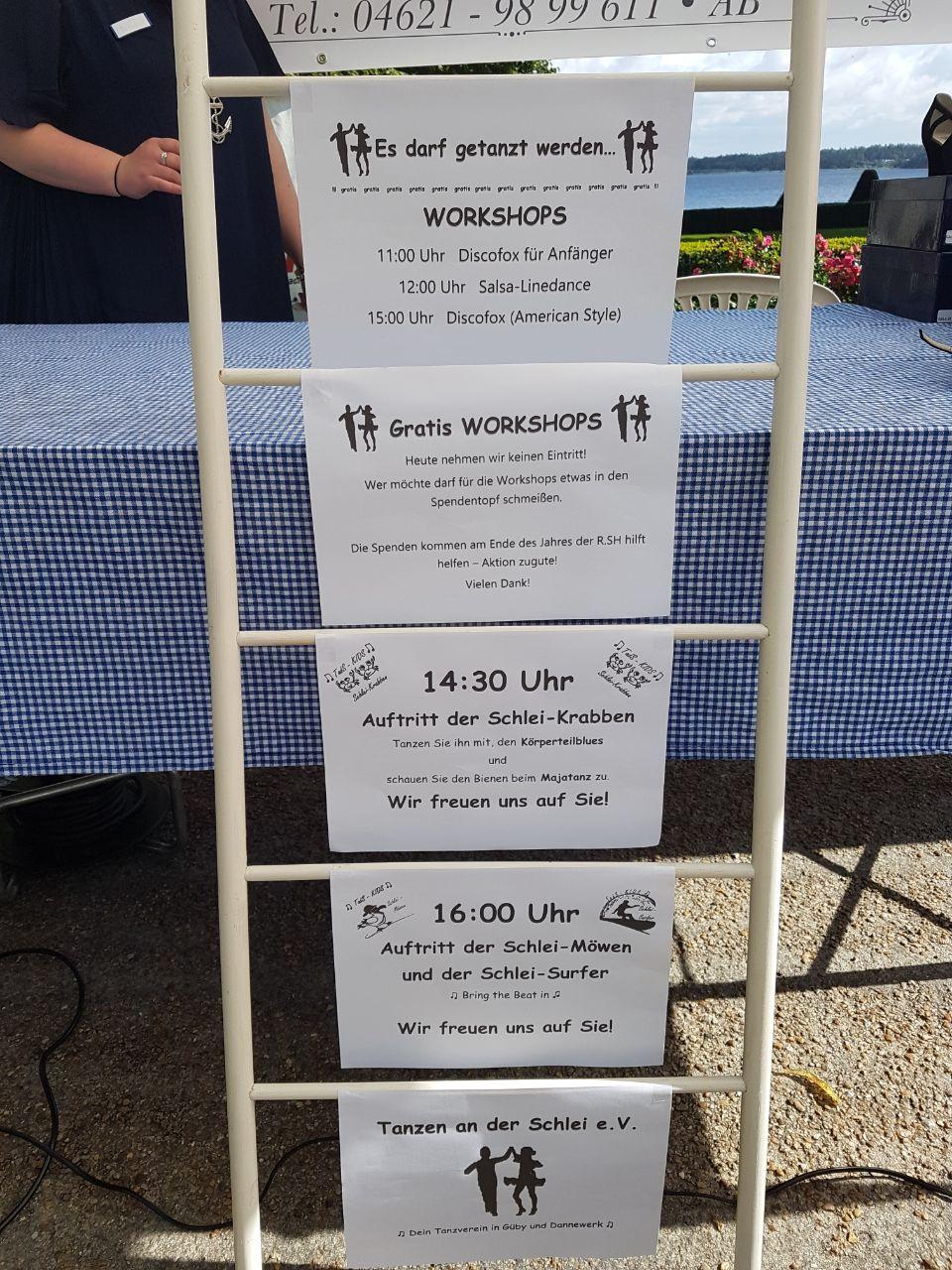 Für die Besucher des Schleidörfertags in Louisenlund bei Schleswig hat der Vorstand des Tanzvereins ein buntes Programm zusammengestellt