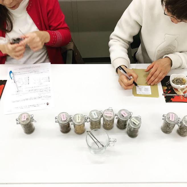 【風邪&インフルエンザ対策】のハーブティー作り。