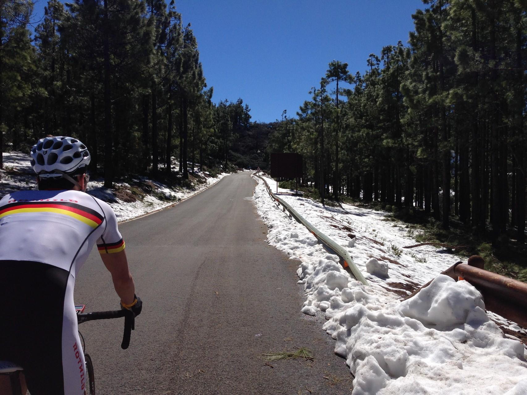 Seit 20! Jahren liegt hier das erste Mal Schnee. Pico de las Nieves