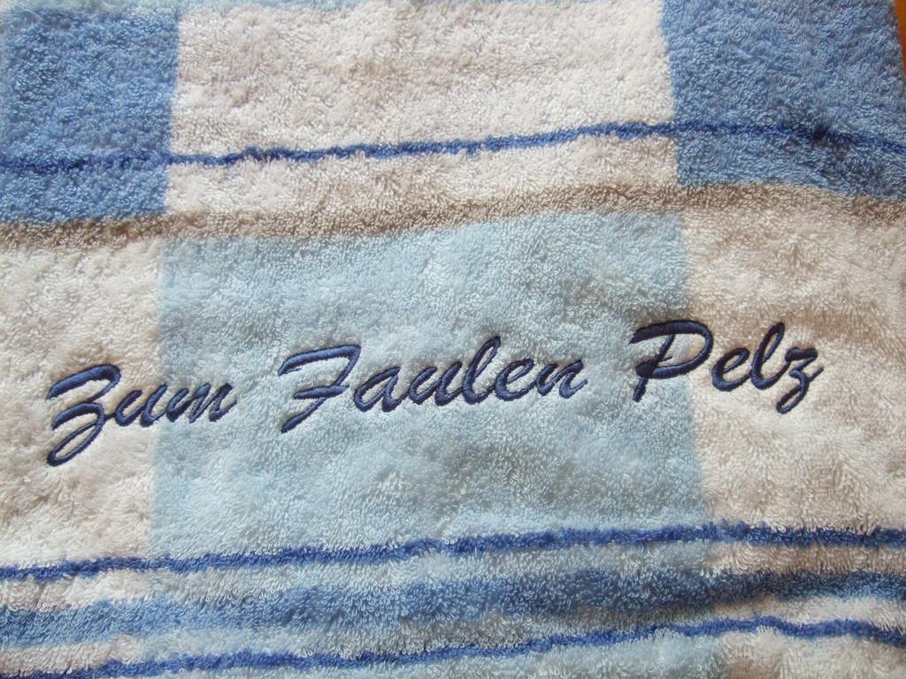 Bild: Schrift auf Handtuch