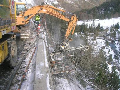 Soutènement : réparation de mur par soutènement et mur maçonné.