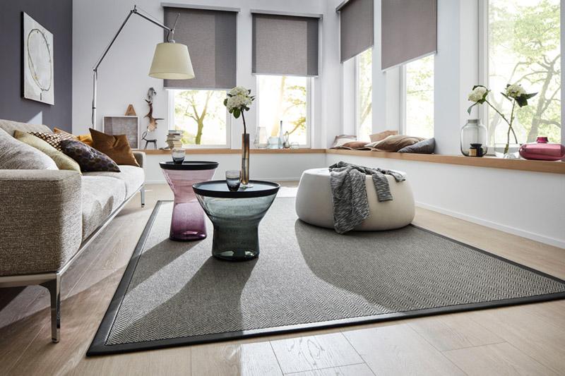 JAB - Teppichboden eingefasst - individuelles Maß