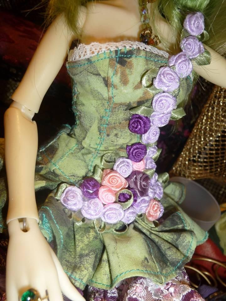 bouton de lierre (collection 2014) pour Lussi special bustier de Noya doll 40 cm