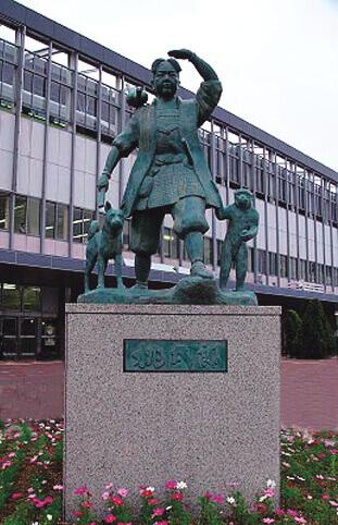 桃太郎銅像台