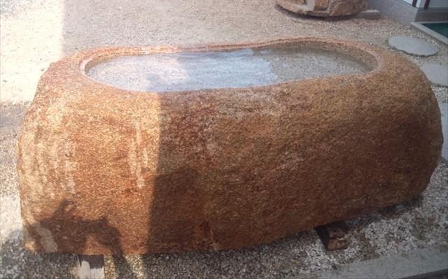 手水鉢・万成自然石