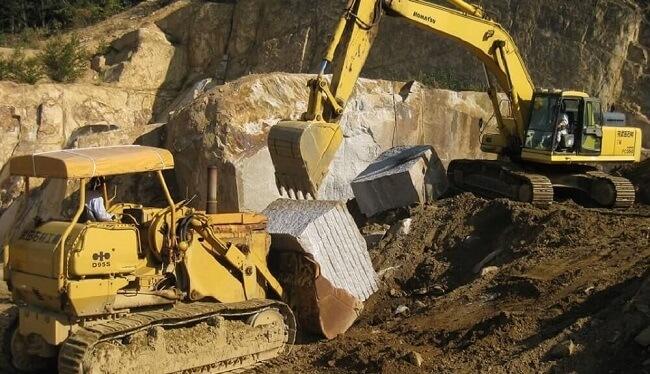 万成石採掘丁場