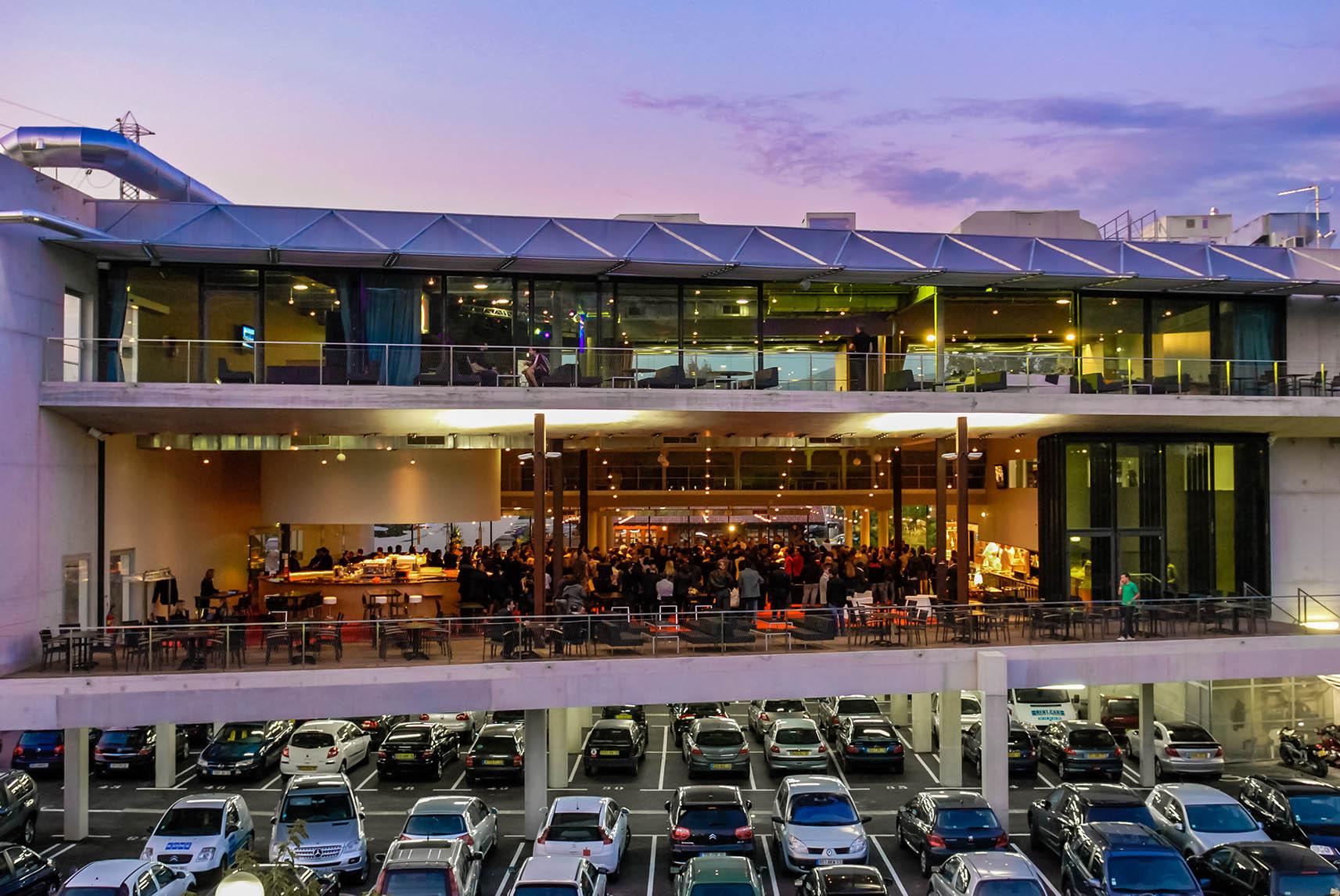 Le BLOK : Complexe sport-brasserie en zone commerciale