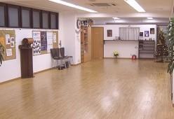 広々ダンススペース メニュー多彩 親切・丁寧な対応をモットーとしております