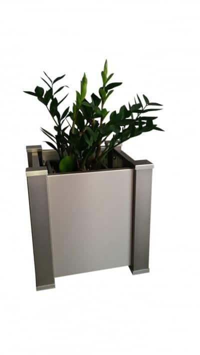 Die Mülltonnenbox und der Pflanzkübel – im gleichen Design!