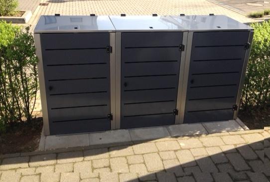 Mülltonnenbox für Gartenutensilien
