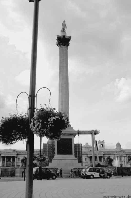 Am Trafalgar Square. Die Aufnahme entstand (leider) nur aus dem Taxi heraus