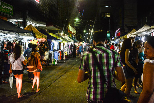 Nachtmarkt am Fuß des Baiyoke Tower/Nightmarket