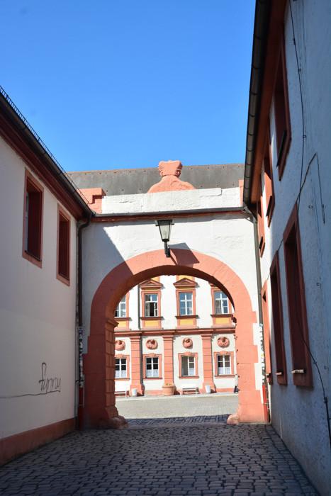 Durchgang von der Schlosskirche zum Ehrenhof