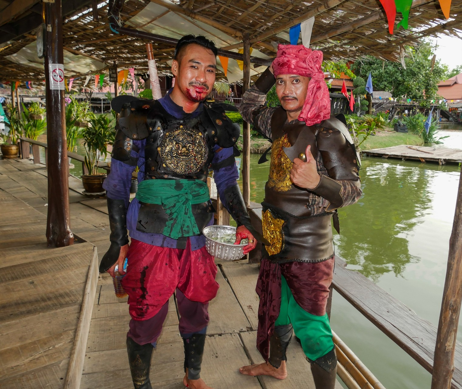 Krieg zwischen Thailand und Burma - keine Angst - nur Spaß und Paintball