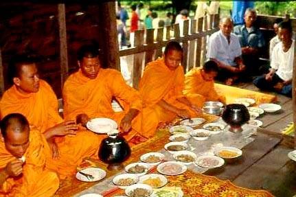 Mönche dürfen bei keinem thailändischen Fest fehlen.