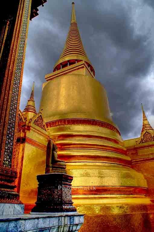 HDR-Aufnahme vom Wat Phra Kheo - der wohl bekanntesten Tempelanlage Thailands in Bangkok