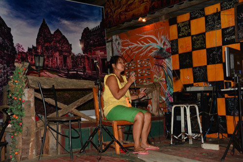 "Karaoke - ""Volkssport"" in Thailand"