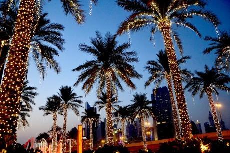 Einfahrt zum Haupteingang der Dubai Mall