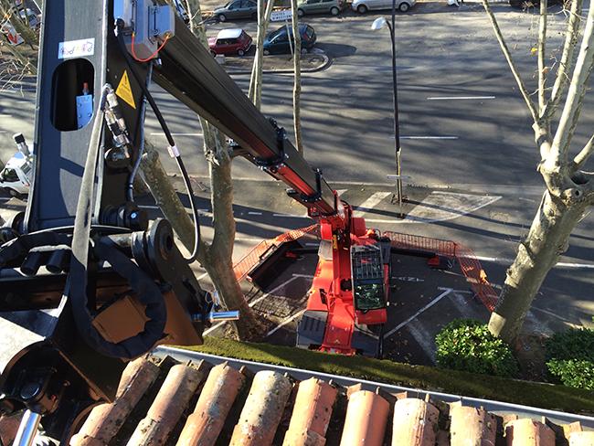 Chariot télescopique rotatif