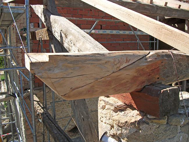 Refaçonnage saillies avant-toit pour éviter remplacement poutre, vue face avant - APRES