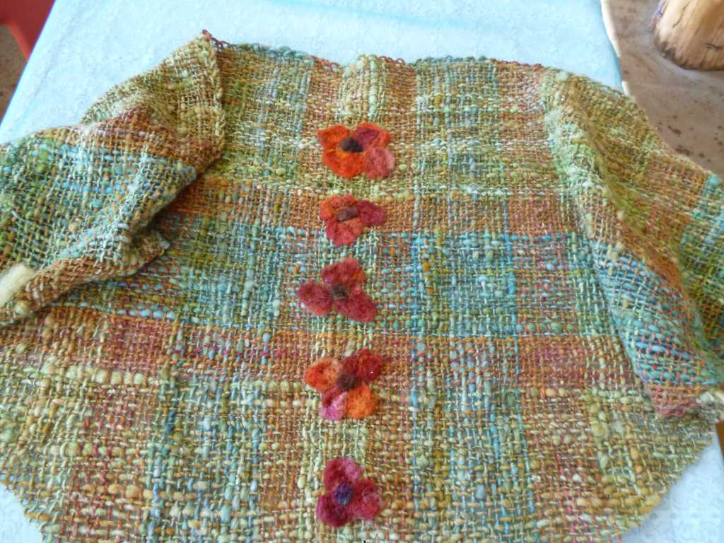 Triloom shawl felted flowers lg view