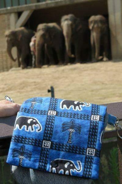 Mit passender Elefanten-Wechselklappe unterwegs im Zoo!