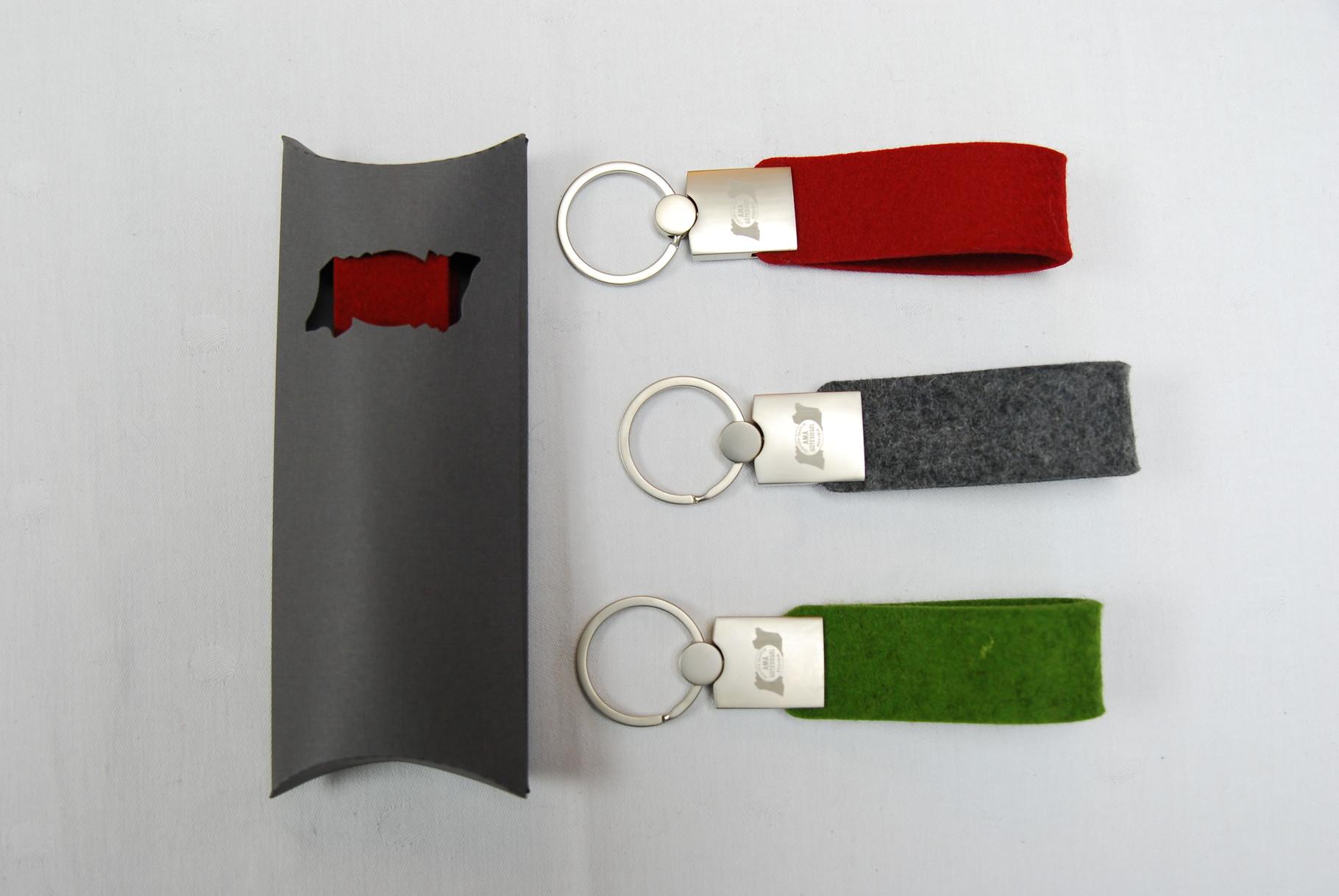 Der hochwertige Schlüsselanhänger samt Verpackung von FivePoints.