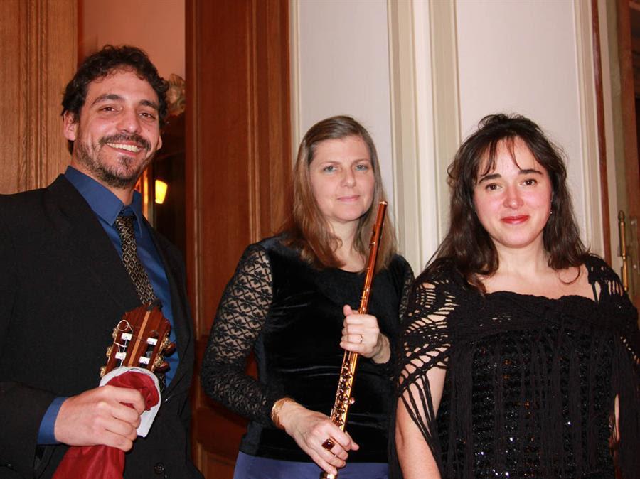 Diego Loza, Monica Gatta e Daniela Veronesi interpreti di 'Samarkanda' nel 2015-16