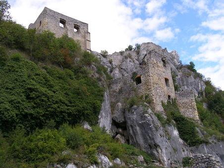 Einst Standort zweier Burgen - 1944 Partisanen-Stützpunkt