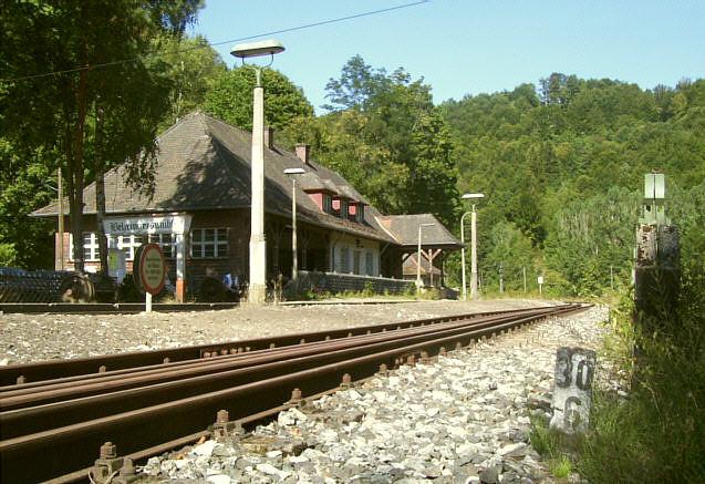 Damals wie heute: Endstation Bahnhof Behringersmühle