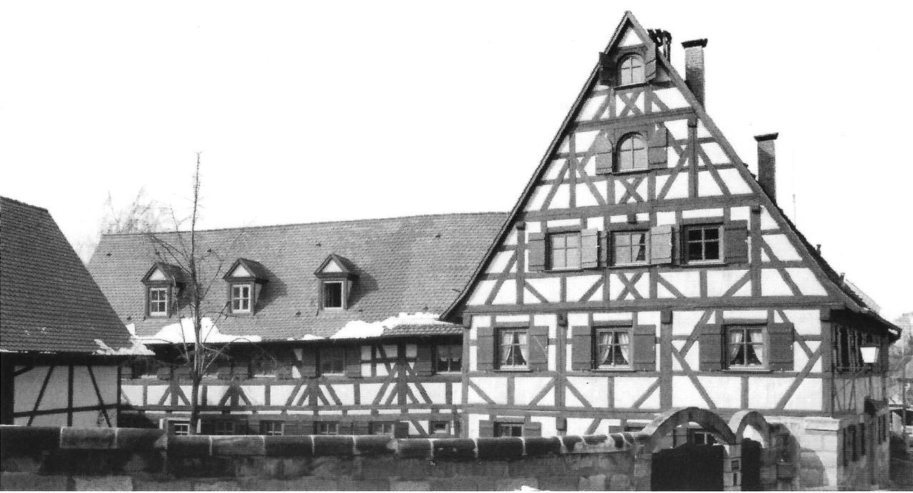 Renovierte Gebäude auf dem ehemaligen Lehen.