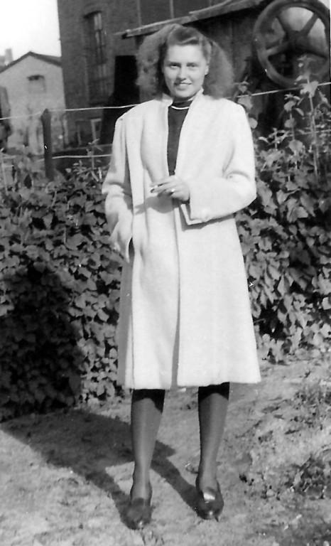 Itzehoe 1946: Erika Marxen, seine spätere Frau