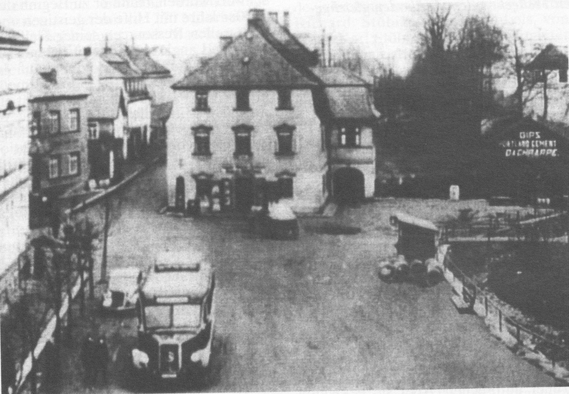 """Im Haus der """"Alten Post"""" am Fleißener Marktplatz betrieben zwei Stübiger-Unternehmer eine Wirkwarenfabrik"""