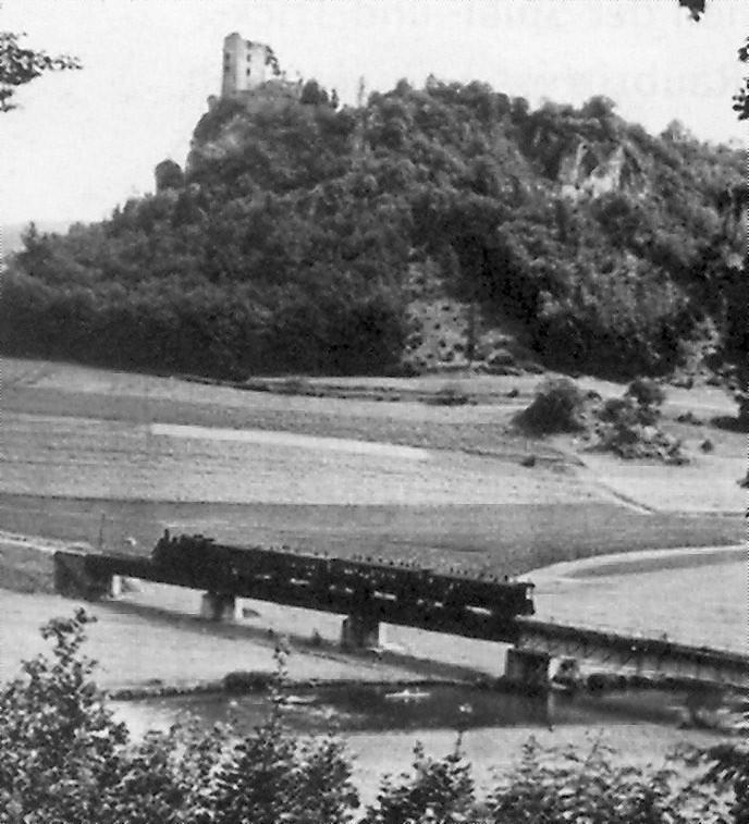 Im Vordergrund: Lokalbahn Ebermannstadt - Behringersmühle, 1927