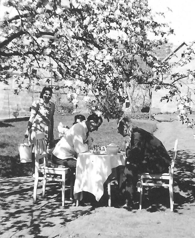 Garten-Idylle, Frühjahr 1949