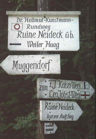 Wegweiser und  Erinnerung an den Pionier der Burgenforschung  Dr. Hellmut Kunstmann