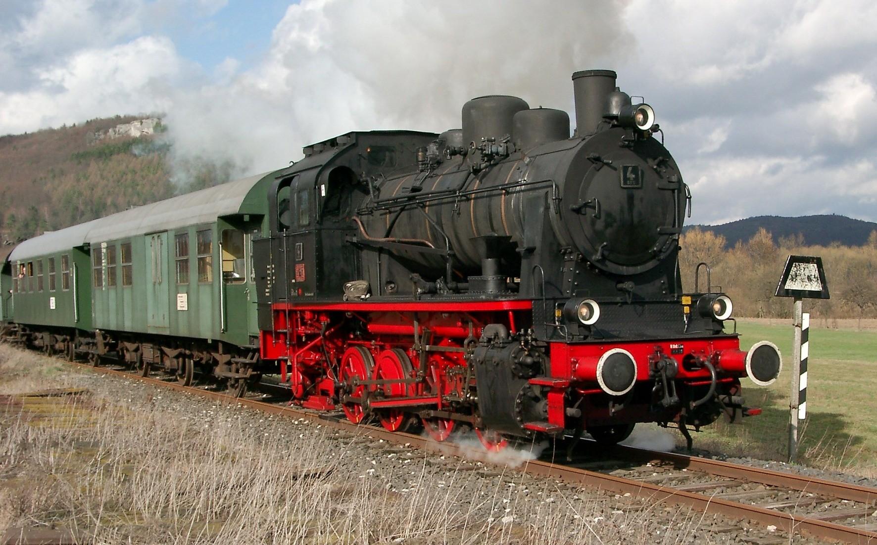 Mit einer ähnlichen Dampflok-Zuggarnitur fuhren wir in die Fränkische Schweiz