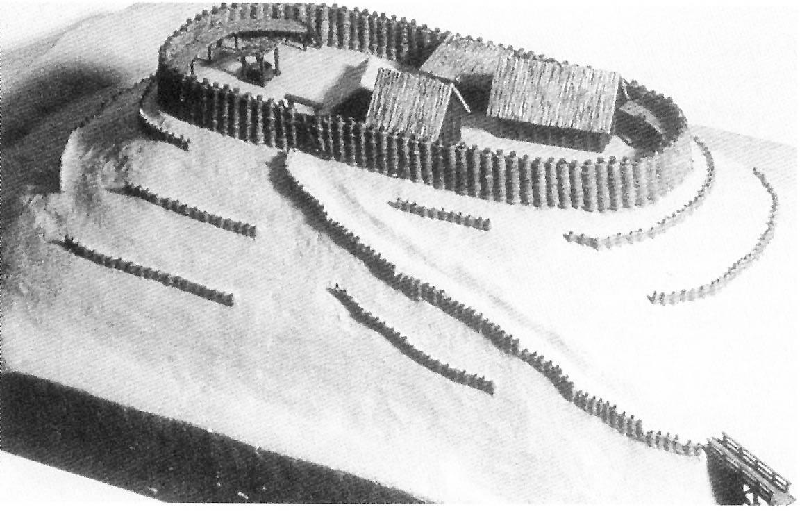 Modell einer frühen Erdhügel-Burganlage